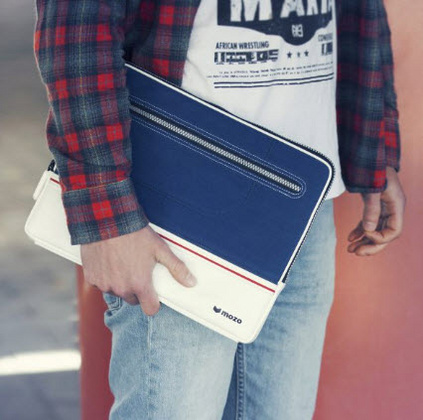 "Mozo sneakers sleeve for 13"" Devices - Blue"